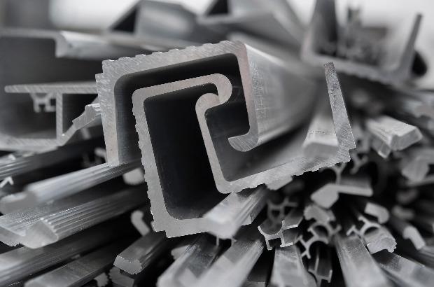 В портах РФ перевалка черных металлов упала на 8,3%