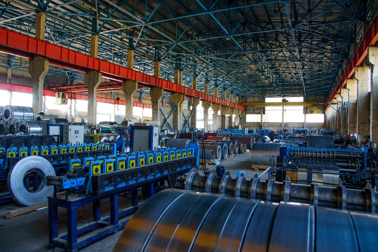 В Китае продолжают падать биржевые цены на сталь и руду